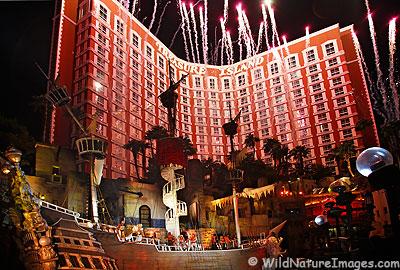 Treasure Island Pirate Show 2020.Las Vegas Pirate Hotel 2018 World S Best Hotels
